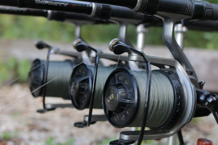 Minimum of 0.40mm diameter mainline. We recommend Korda Touchdown in 15lb.