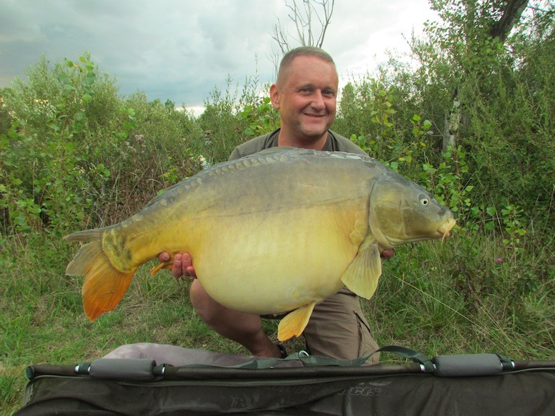 Alan with the Colonel at 42lb