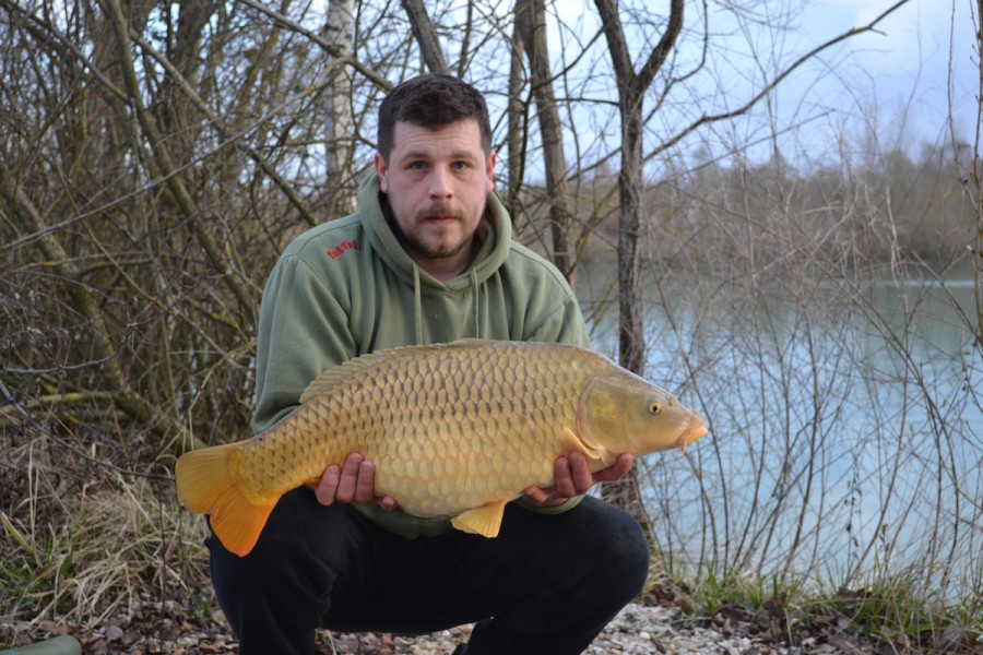 mat with a 17lbs common