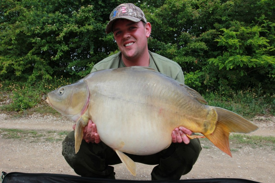 adi with a nice 34lb 06oz mirror