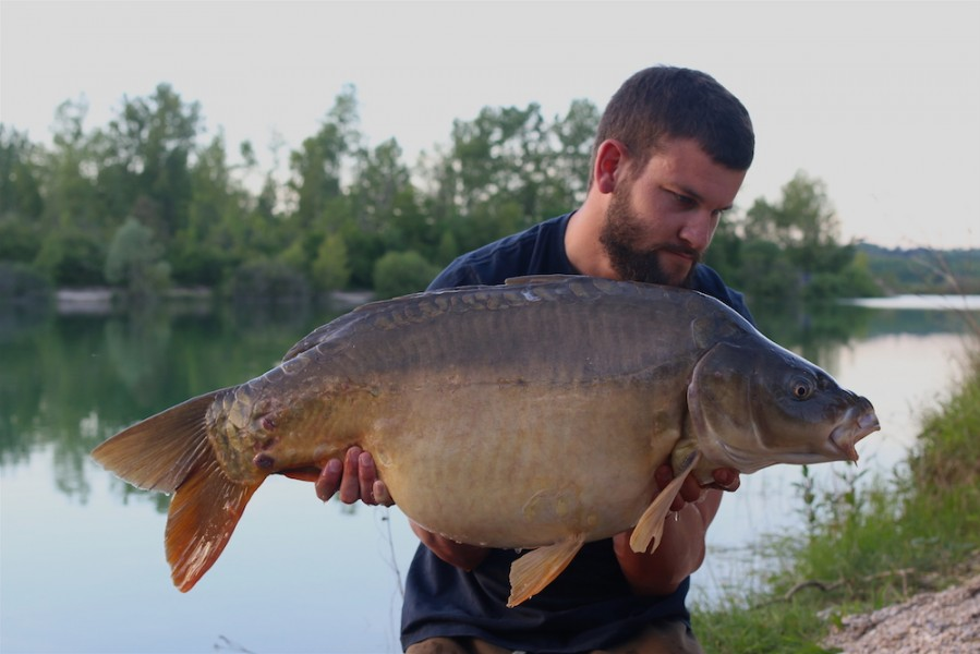 Ben with a 38lb8oz Mirror from New Beach