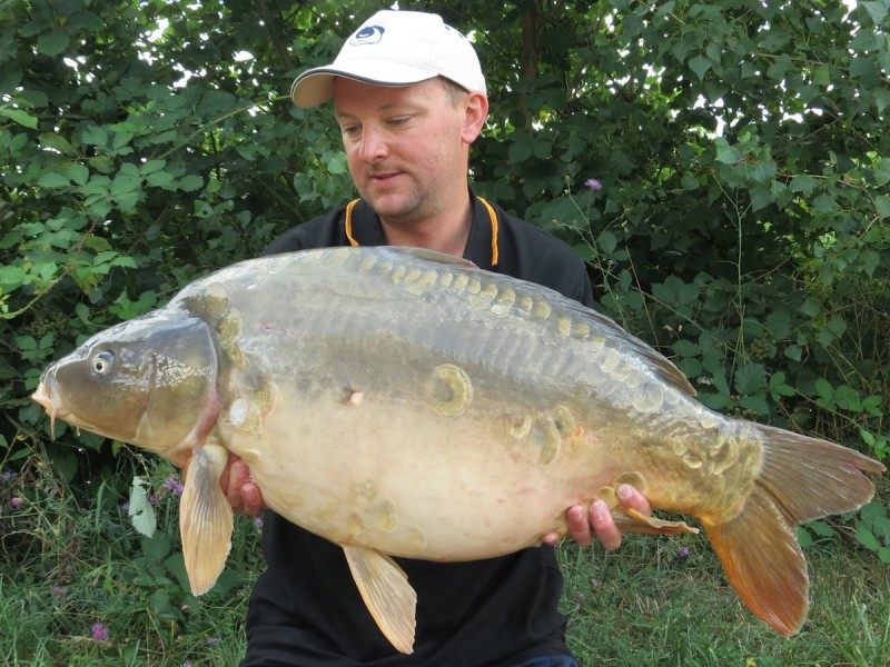 lee with a 36lbs mirror