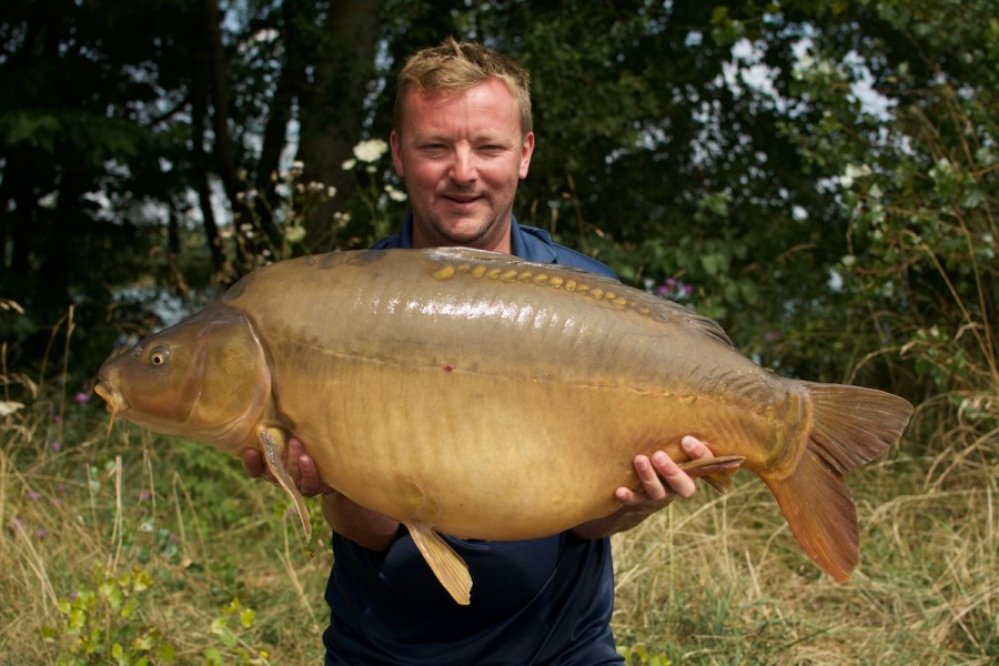 Lee with a PB 40lbs mirror
