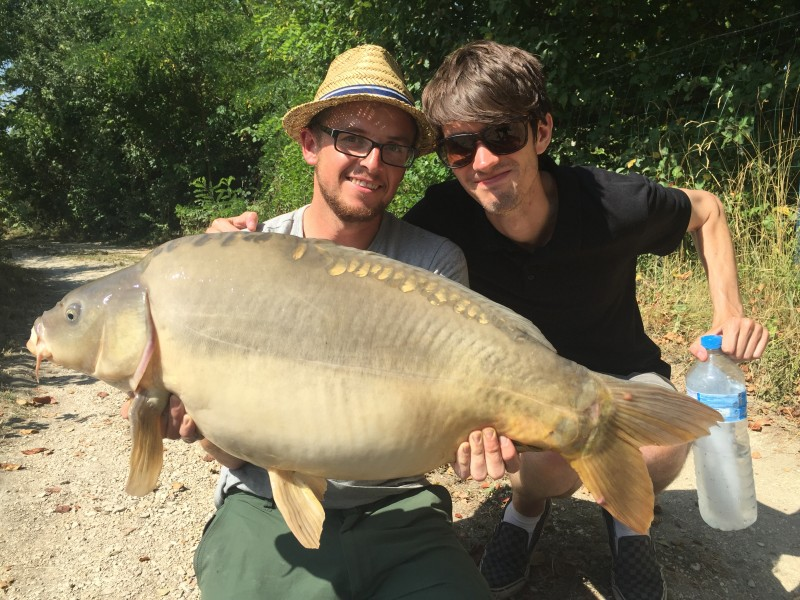 Spoons and Shaun Ladd loving life with a 29lb 4oz mirror