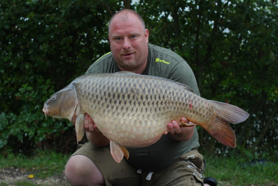 Martin Pettit with a cracking 40lb3oz Common from T2 29.7.17