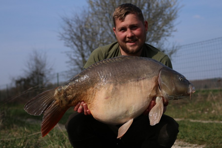 Jack Link with Fleur at 34lb from turtles corner 23/03/19