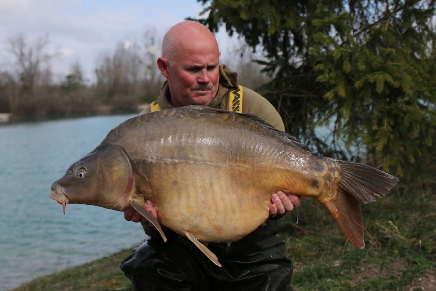 Steve French with Daniels at 38lb from The Beach 23/03/19