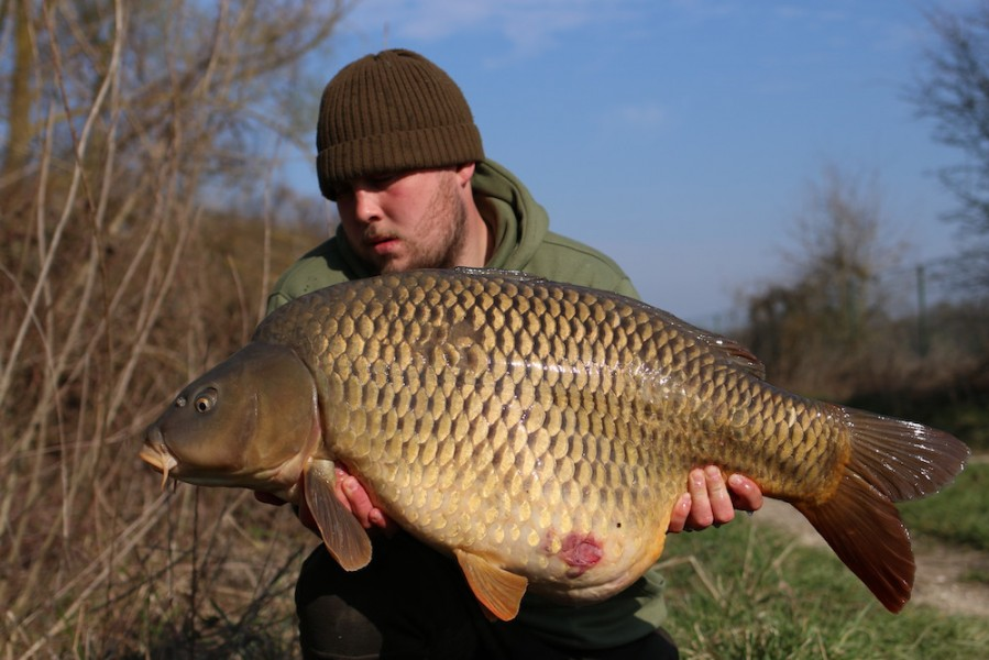 Jack Link with Prince of Darkness @ 36lb from Turtles corner 23/03/19