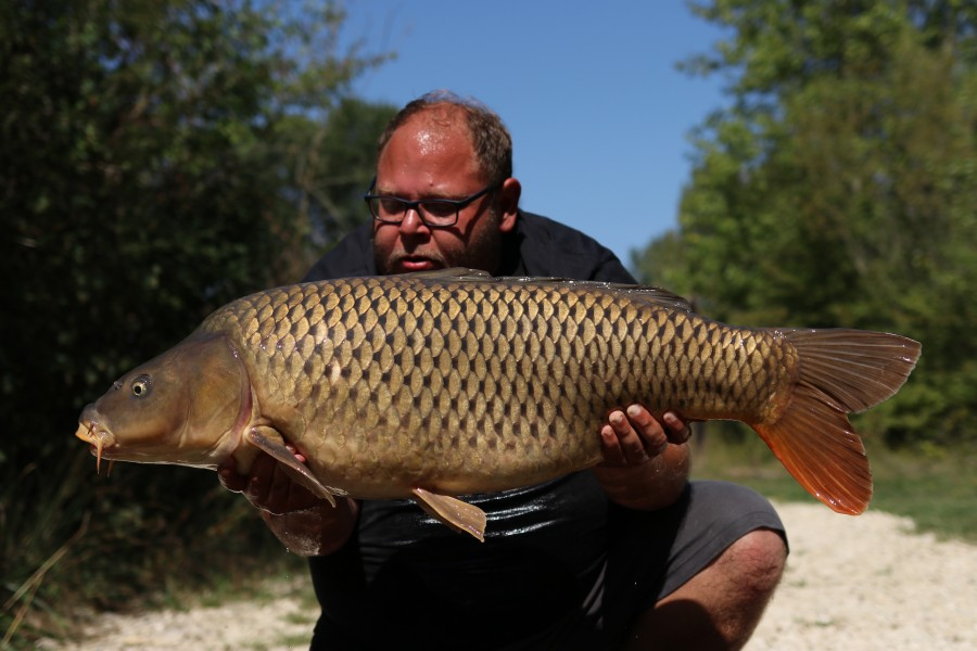 Kenny Hawkings with Hurcules at 32lb 4oz from The Poo 24.08.19