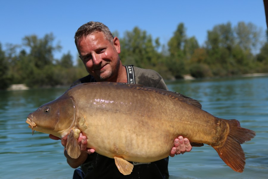 Phil Newman with Gelato at 38lb from the beach 24.08.19