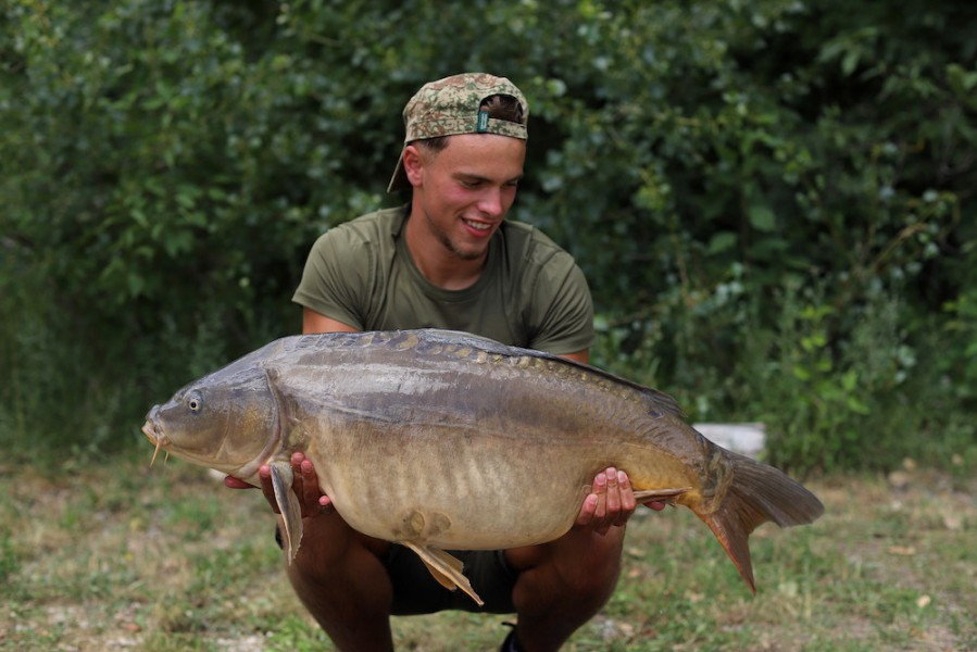 Jason Van Der Merwe, 37lb, Tea Party 1, 04.07.20